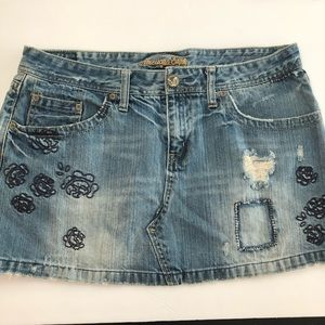 American Eagle Embroidered Denim Skirt sz. 12